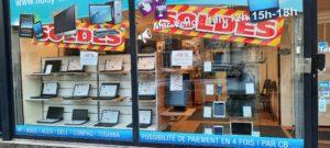 photo vitrine magasin soldes d'hiver